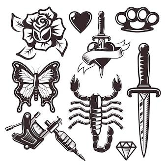 Insieme di oggetti ed elementi di design del tatuaggio in stile monocromatico