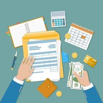 Concetto di pagamento delle tasse calcolo della tassazione del governo statale della dichiarazione dei redditi modulo fiscale vuoto non compilato