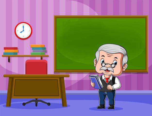 Insegnante che tiene libro e insegnamento davanti alla classe