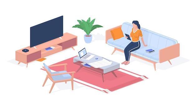 Insegnante che si prepara per la lezione a casa. donna con tablet seduto sul divano. computer portatile e tavolo dei progetti. comodino moderno per tv. didattica a distanza on line. isometria realistica di vettore.