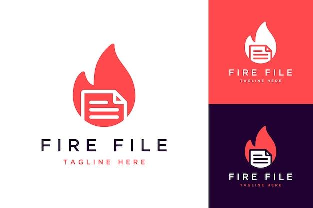 Logo o file di design tecnologico con il fuoco