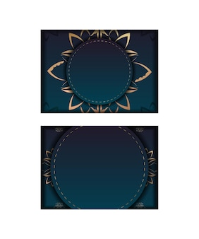 Modello volantino di congratulazioni con colore blu sfumato con motivo mandala oro preparato per la stampa.