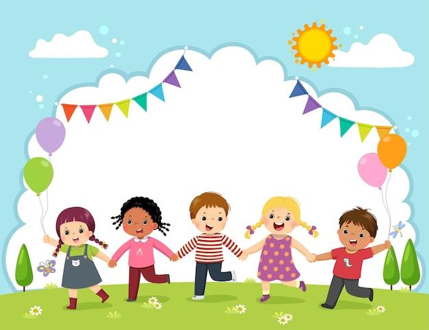 Modello con cartone animato di bambini felici che tengono le mani sul campo.