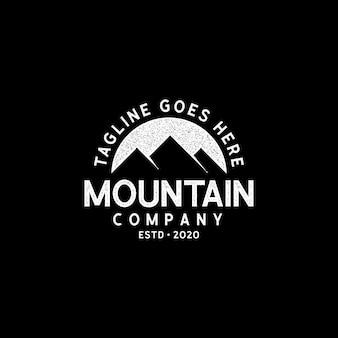 Logo esterno strutturato avventura di montagna