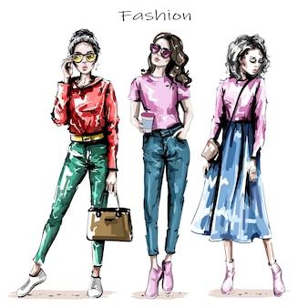Tre ragazze alla moda