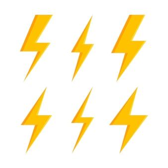 Set di icone flash di illuminazione di tuoni e fulmini. stile piatto su sfondo scuro.