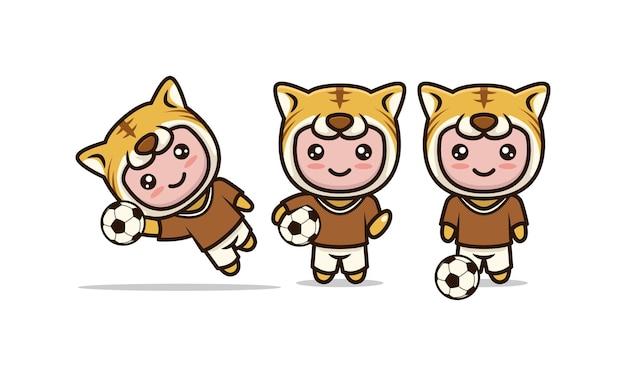 Insieme di vettore dell'illustrazione di progettazione relativa al calcio della mascotte sveglia della tigre