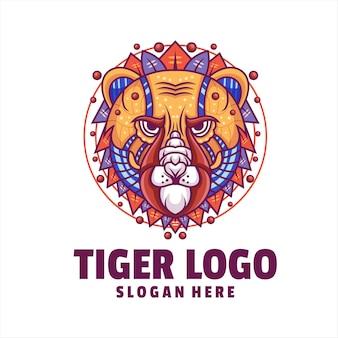 Vettore logo cyborg testa di tigre