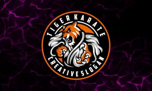 Modello di logo della mascotte di karate della tigre