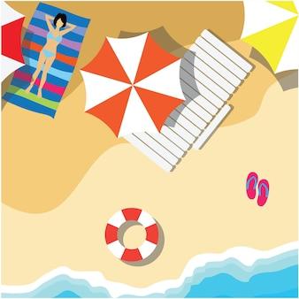 Vista superiore della vacanza estiva con articoli da spiaggia e onda