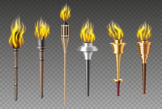 Insieme della fiamma della torcia. giochi olimpici medievali realistici con fiaccole fiammeggianti o flambeau di illuminazione