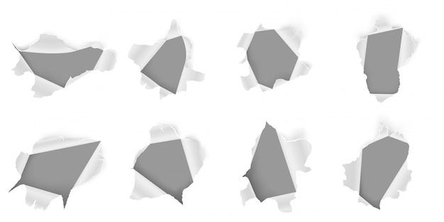 Foro di carta strappato. foglio strappato, fori irregolari nei documenti e set 3d realistico di pagina danneggiata. lacune metalliche fratturate isolate su fondo bianco. collezione di clipart di ferro rotto
