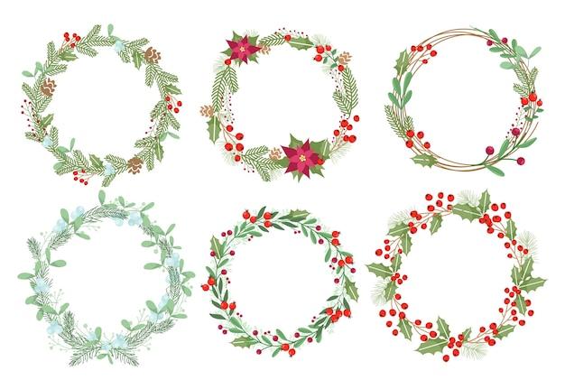 Decorazione natalizia tradizionale con fiori di vischio, leccio e poinsettia. elementi decorativi invernali.