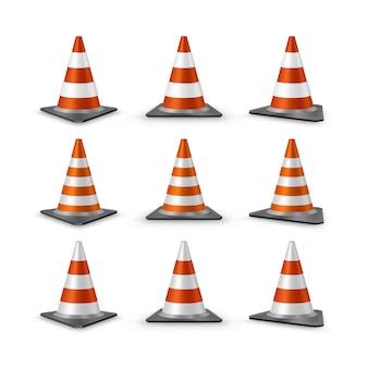 Set di coni di traffico. coni di plastica stradali realistici rossi con strisce bianche, illustrazione