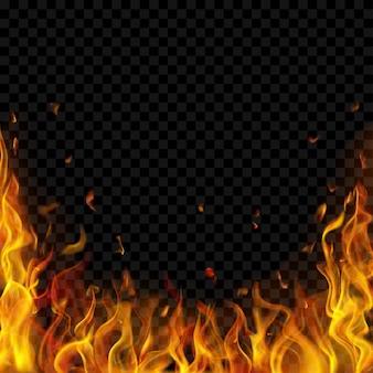 Fiamme di fuoco traslucide e scintille su trasparente