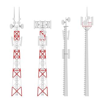 Set di torri cellulari di trasmissione. torre di comunicazioni mobili con antenne di comunicazione satellitare. torre radio per connessioni wireless.