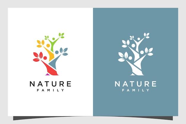 Design del logo dell'albero con il concetto umano di famiglia vettore premium parte 2