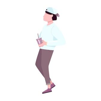 Ragazzo alla moda con carattere senza volto di colore piatto tazza di plastica usa e getta. moda giovane uomo che beve bevanda calda del caffè per andare isolato fumetto illustrazione per web design grafico e animazione