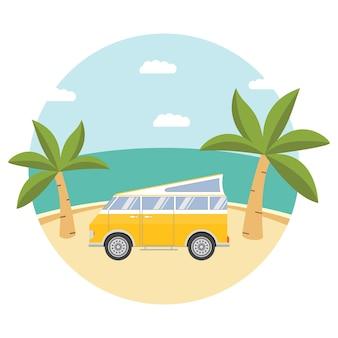 Campeggio tropicale sulla spiaggia con furgone