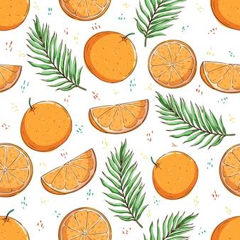 Concetto di estate tropicale nel modello senza cuciture frutta arancione e foglie di palma