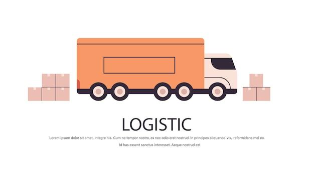Camion con scatole di cartone prodotto merci spedizione trasporto logistica trasporto consegna espressa concetto di servizio isolato copia spazio