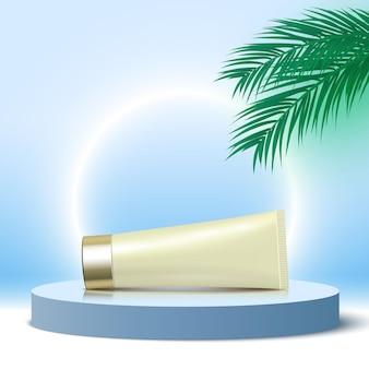 Tubo di crema su piattaforma di esposizione di prodotti cosmetici podio blu rotondo con piedistallo di foglie di palma