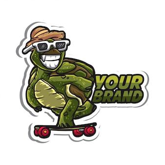 Personaggio adesivo tartaruga skateboard