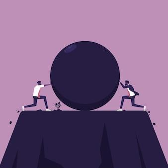 Due uomini d'affari che spingono un masso l'uno contro l'altro per eliminare dalla concorrenza
