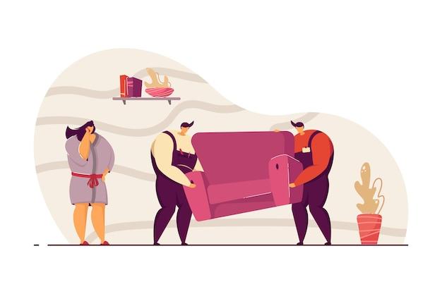 Due fattorini che consegnano il divano all'illustrazione vettoriale piatta del cliente. donna che ottiene un nuovo divano, utilizzando il telefono cellulare. servizio di consegna, concetto di trasferimento per banner, progettazione di siti web o pagina web di destinazione