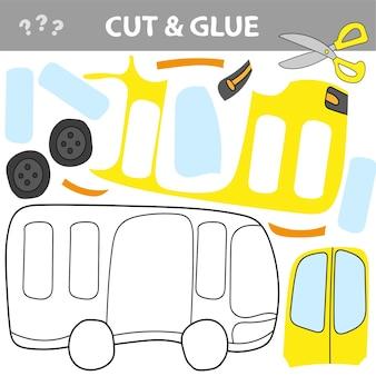 Usa forbici e colla e ripristina l'immagine all'interno del contorno. gioco di carta educativo facile per i bambini. semplice applicazione per bambini con toy bus.