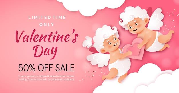 Banner di promozione di san valentino. due amorini stanno tenendo un cuore sullo sfondo delle nuvole.