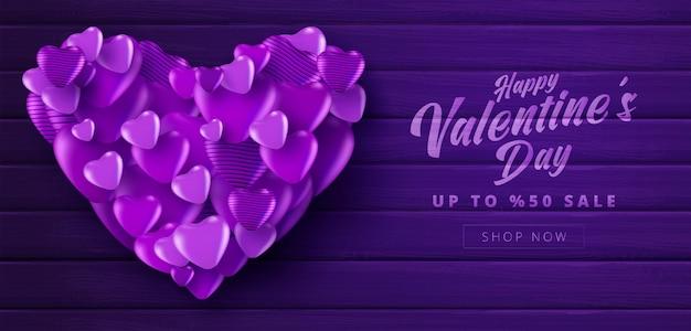 Bandiera di vendita di san valentino con colore viola molti cuori dolci su sfondo di colore viola strutturato in legno. modello di promozione e acquisto o per amore e san valentino.