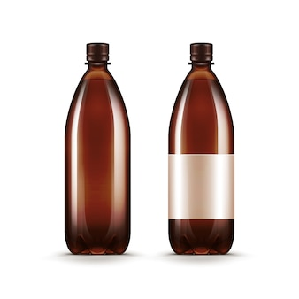 Bottiglia di plastica bianca del kvas della birra di acqua marrone in bianco di vettore