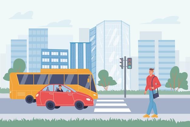 Personaggio dei cartoni animati piatto vettoriale nella scena della vita di città: il giovane va al passaggio pedonale stradale, le auto passano sullo sfondo del paesaggio urbano.