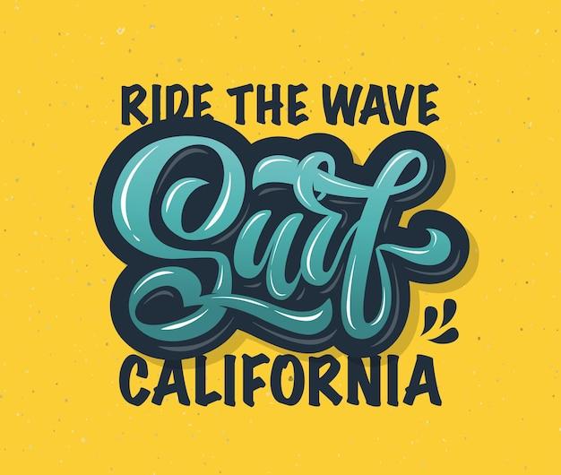Illustrazione vettoriale del testo surf per il design dei vestiti icona del tag distintivo del surf banner della carta da surf
