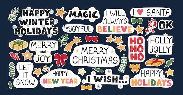 Insieme variopinto moderno di vettore con illustrazioni disegnate a mano scarabocchio di oggetti natalizi e scritte, adesivi. usalo come elementi per biglietti di auguri di design, poster, cartoline, design di carta da imballaggio