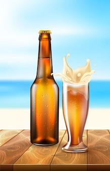 Realistica bottiglia di birra vettoriale, schizzi dal vetro
