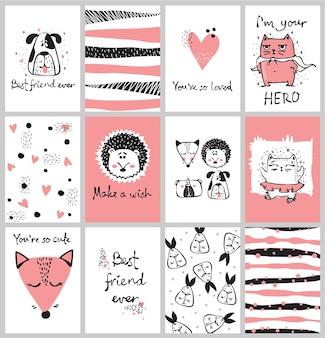 Set vettoriale di simpatiche carte scarabocchiate isolate con animali tribali e altre immagini per interni, striscioni e poster per bambini.