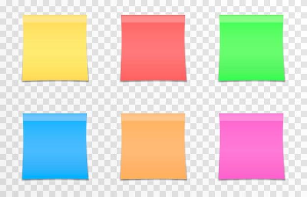 Set vettoriale di carte per appunti su uno sfondo trasparente isolato nota realistica foglio di carta