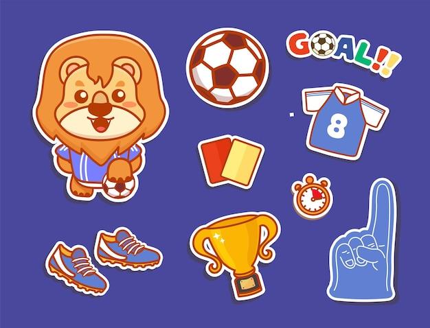 Set di adesivi di calcio vettoriale con carattere di leone carino e sfondo blu isolato. vettore di cartone animato kawaii