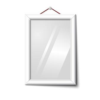 Cornice per foto verticale isolata bianca di vettore che appende sulla parete bianca