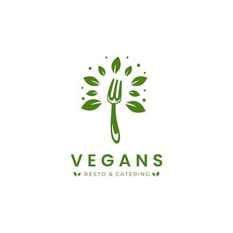 Logo del ristorante e del catering con cibo vegano con il simbolo dell'icona della forchetta e delle foglie verdi