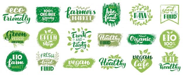 Etichette biologiche vegane. distintivi di eco cibo vegetariano, vegan timbro lettering sano, set di simboli cibo ecologico mercato fresco. emblema di eco, timbro lettering naturale, illustrazione organica
