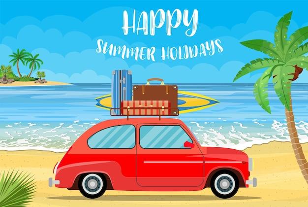 Trasporto di veicoli con tavola da surf e valigie su una spiaggia con palme