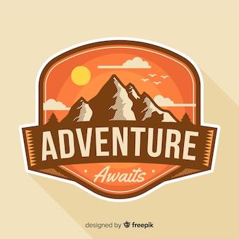 Logo avventura d'epoca Vettore Premium