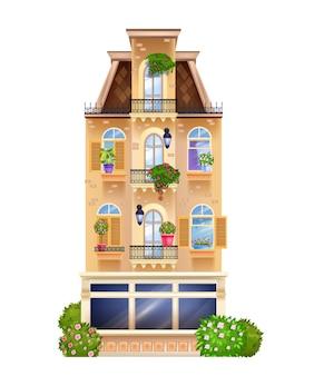 Facciata di edificio d'epoca, vista frontale della casa europea con finestre, piante da appartamento, tetto.