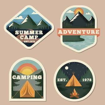 Collezione vintage di badge per campeggio e avventure