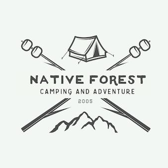 Distintivo con logo vintage campeggio all'aperto e avventura