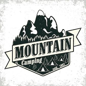 Logo vintage di campeggio o turismo, timbro di stampa grange, emblema di tipografia creativa,
