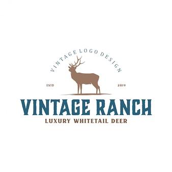 Logo vintage per allevamenti di cervi e caccia